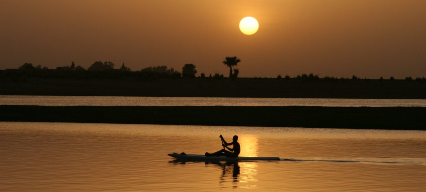 Boat_on_Niger_River